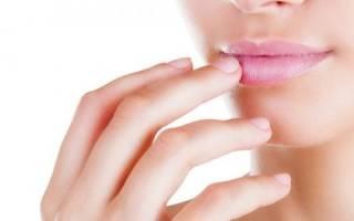 Как спрятать герпес на губе