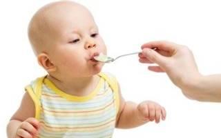 Можно ли кормить месячного ребенка манной кашей