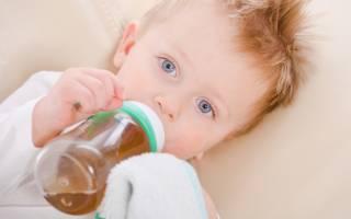 Ребенку можно начинать давать чай